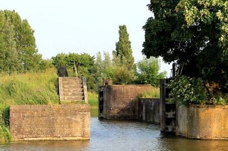 Historische Vereniging Moordrecht - petitie behoud Snelle Sluis - verzoek om plaatsing op gemeentelijke monumentenlijst.