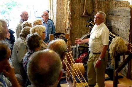 Historische Vereniging Moordrecht - Golderake bezoekt KVT-expositie en touwbaandemonstratie.