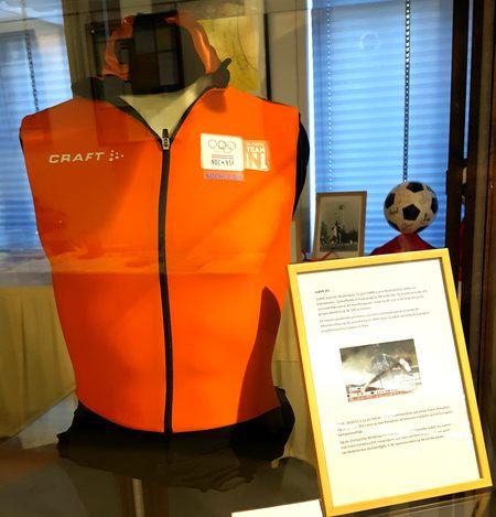 Te zien tijdens de expositie over Moordrechtse sportverenigingen: het sportpak van bobsleester Judith Vis.