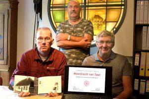 Het fraaie jubileumboek 'Moordrechtvan Toen' ter gelegenheid van het 25-jarig bestaan van de Historische Vereniging Moordrecht.