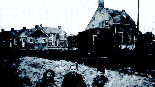 Historische Vereniging Moordrecht - sluisje en sluiswachtershuisje Hoefvliet bij Sluislaantje