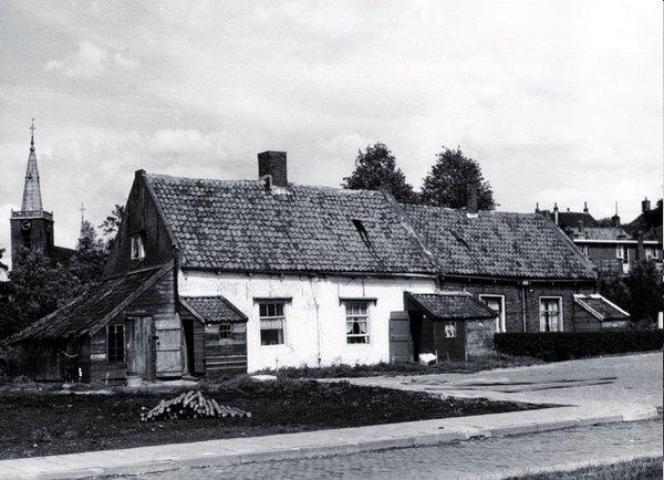 Na de oorlog woonde Wiggert met zijn gezin in dit huis aan de Vliet, nu Schielandstraat.