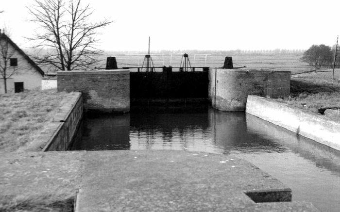 De Snelle Sluis verbond de Hollandsche IJssel met de ringvaart rond de Zuidplaspolder. Het waterwerk werd in 2019 gesloopt.